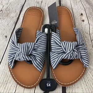 Size 6-7 Knotted Slide Sandals Abercrombie & Fitch